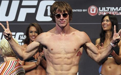 Former UFC fighter wants to work for WWE